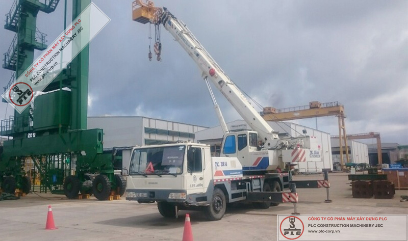 Zoomlion QY25 Mobile Cranes Rental In Vietnam