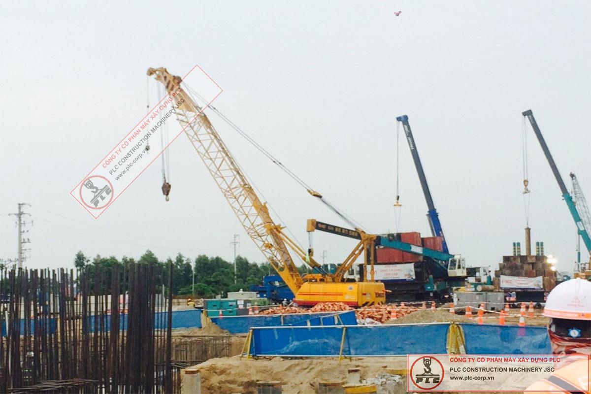 Cho thuê cẩu xích 55 tấn Kobelco 7055-II tại nhà máy V3 Samsung Bắc Ninh