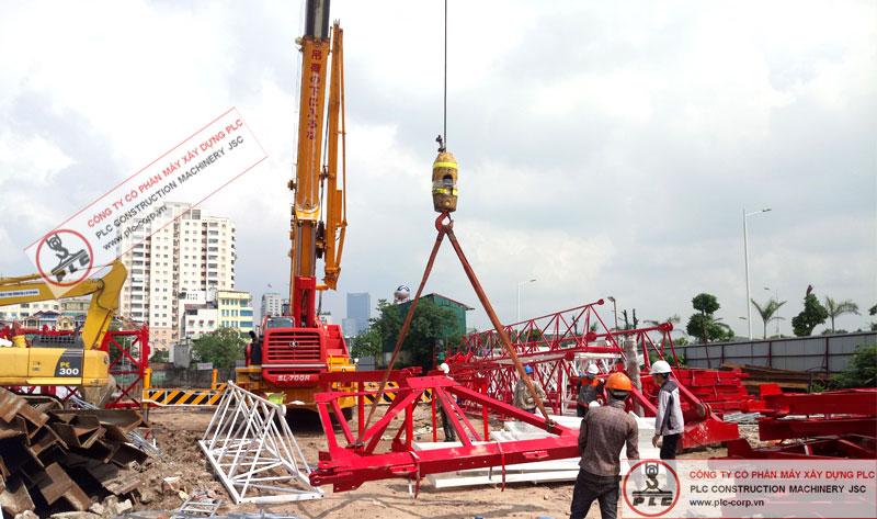 cho thuê cẩu lốp 70 tấn kato phục vụ lắp dựng cẩu tháp